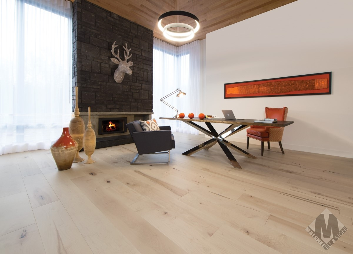 hardwood-flooring-maple-white-mist-character-smooth-1