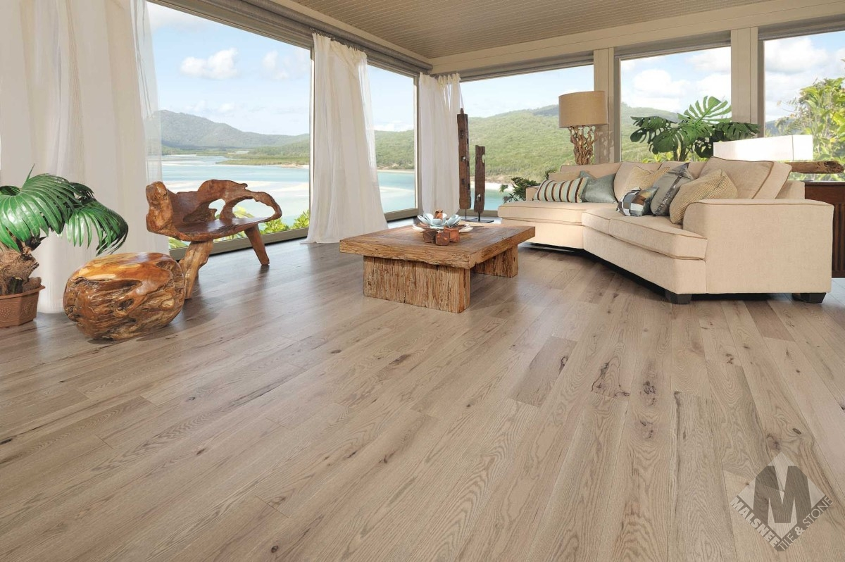 hardwood-flooring-red-oak-chateau-character-brushed-1
