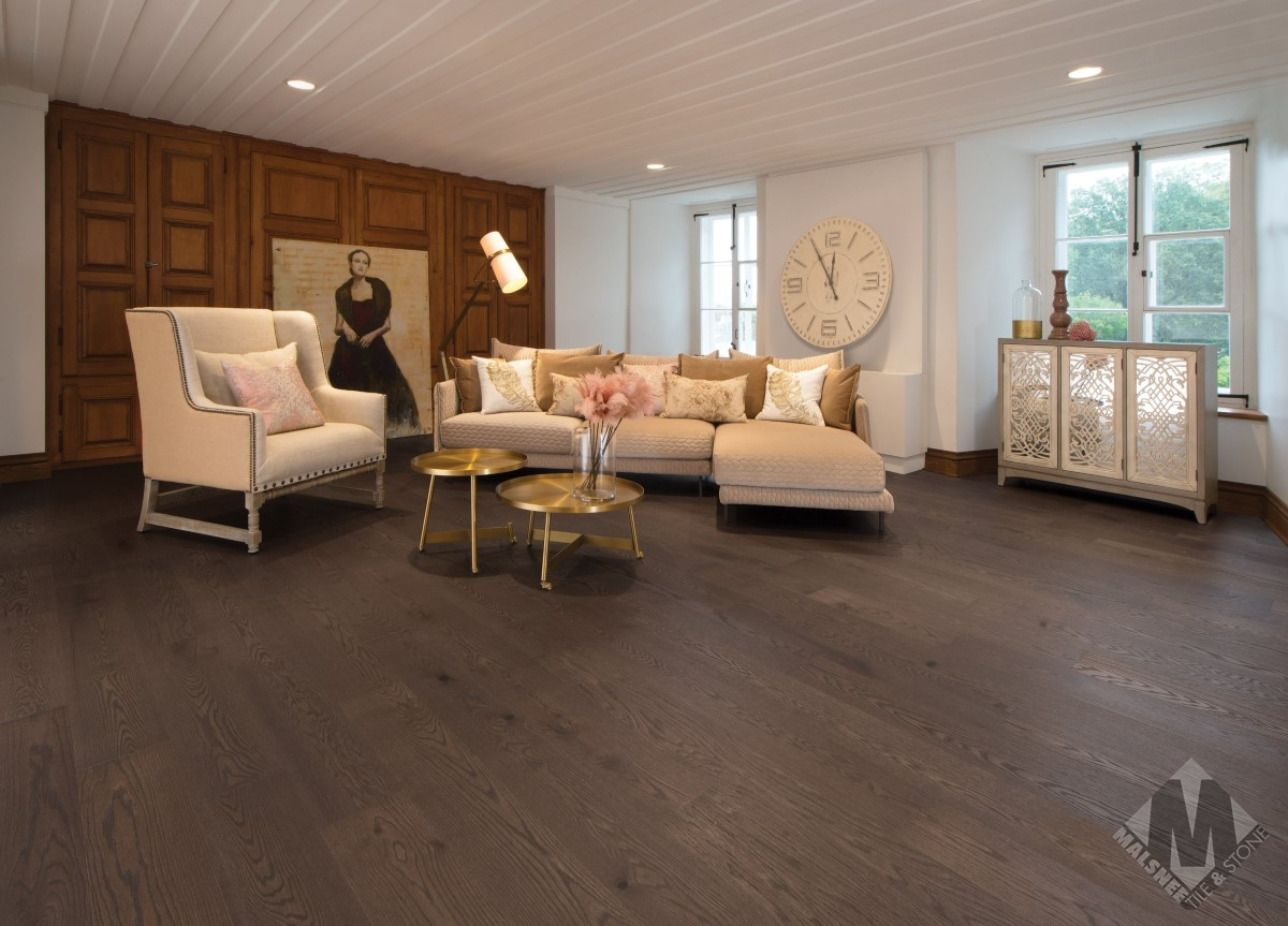 hardwood-flooring-red-oak-nightfall-character-brushed-1