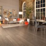 hardwood-flooring-red-oak-tree-house-character-brushed-1