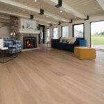 hardwood-flooring-white-oak-isla-exclusive-brushed-1